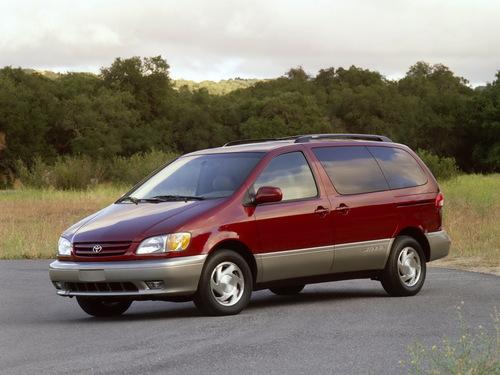 Фото автомобиля Toyota Sienna 1 поколение [рестайлинг], ракурс: 45