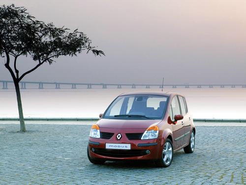 Фото автомобиля Renault Modus 1 поколение, ракурс: 45