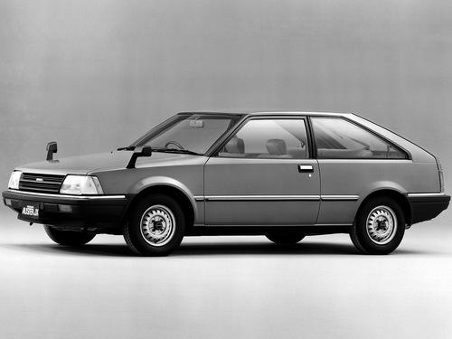 Фото автомобиля Nissan Auster T11, ракурс: 45