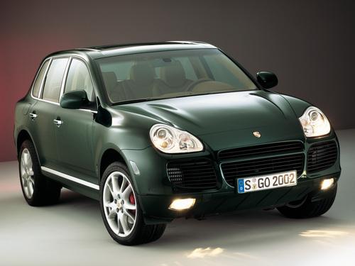 Фото автомобиля Porsche Cayenne 955, ракурс: 45 цвет: зеленый
