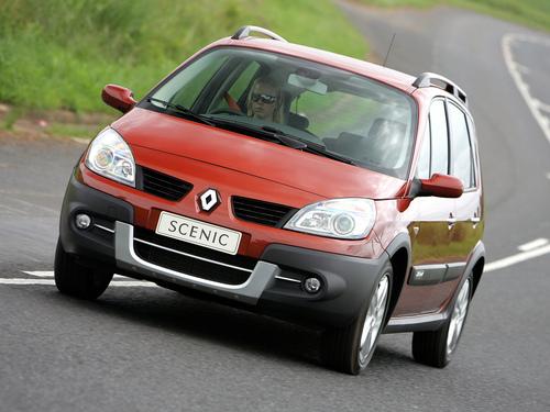 Фото автомобиля Renault Scenic 2 поколение [рестайлинг], ракурс: 45