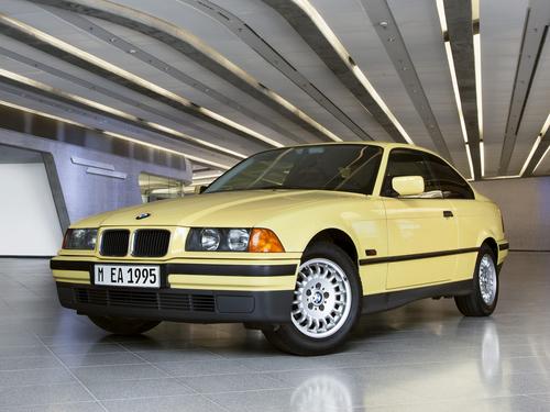 Фото автомобиля BMW 3 серия E36, ракурс: 45 цвет: желтый