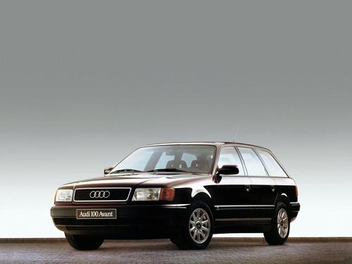 Фото автомобиля Audi 100 4A/C4, ракурс: 45 цвет: коричневый