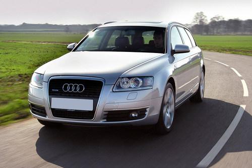 Фото автомобиля Audi A6 4F/C6, ракурс: 45 цвет: серебряный