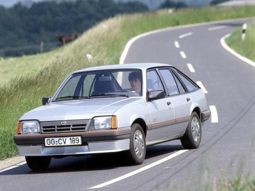 Фото автомобиля Opel Ascona 3 поколение [рестайлинг], ракурс: 45