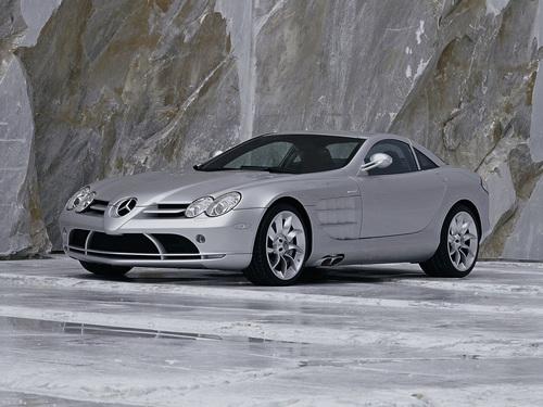 Фото автомобиля Mercedes-Benz SLR-Класс C199, ракурс: 45 цвет: серебряный