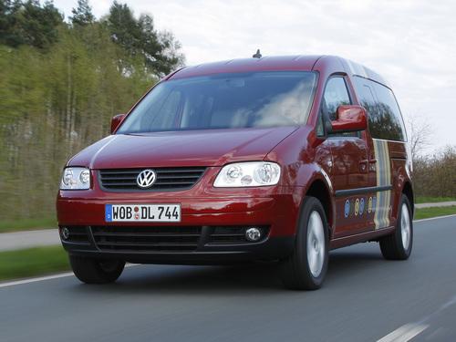 Фото автомобиля Volkswagen Caddy 3 поколение, ракурс: 45
