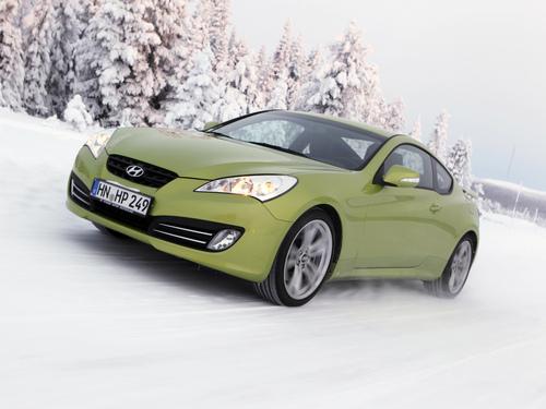 Фото автомобиля Hyundai Genesis 1 поколение, ракурс: 45