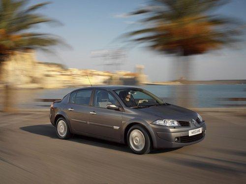 Фото автомобиля Renault Megane 2 поколение [рестайлинг], ракурс: 315 цвет: серый