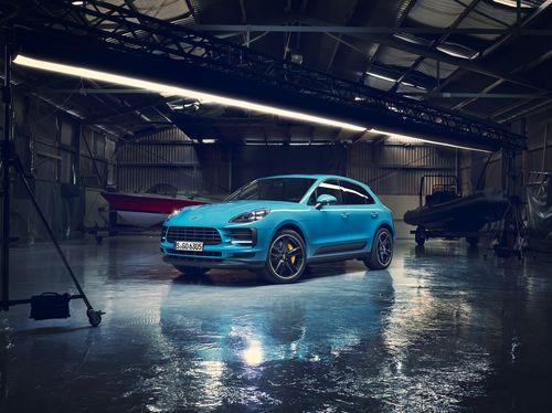 Фото автомобиля Porsche Macan 1 поколение [рестайлинг], ракурс: 45 цвет: голубой