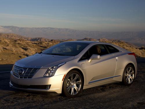 Фото автомобиля Cadillac ELR 1 поколение, ракурс: 45 цвет: серебряный