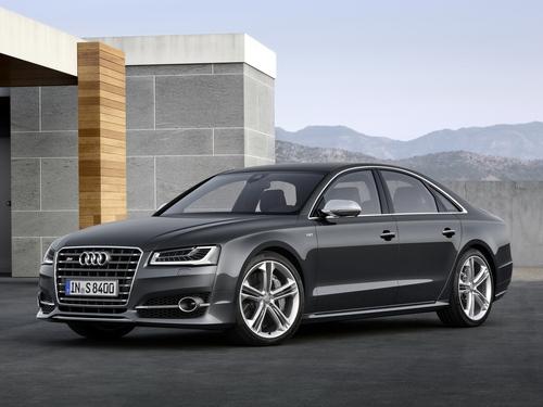 Фото автомобиля Audi S8 D4 [рестайлинг], ракурс: 45 цвет: серый