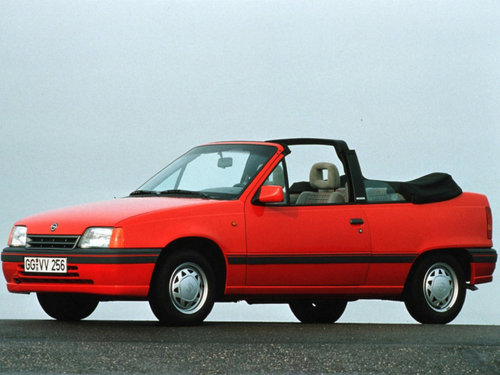 Фото автомобиля Opel Kadett E [рестайлинг], ракурс: 45