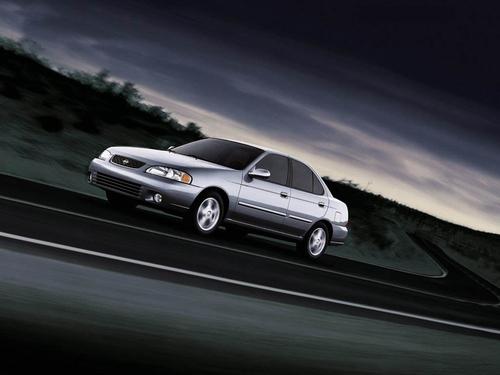 Фото автомобиля Nissan Sentra B15, ракурс: 45