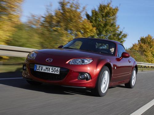Фото автомобиля Mazda MX-5 NC [2-й рестайлинг], ракурс: 45 цвет: красный