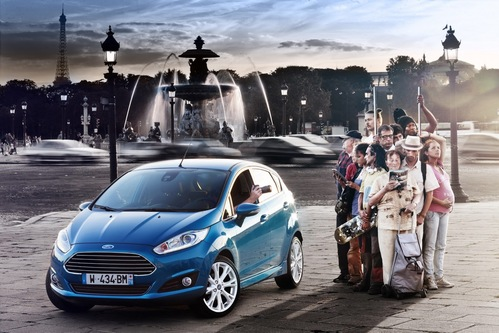 Фото автомобиля Ford Fiesta 6 поколение [рестайлинг], ракурс: 45 цвет: голубой
