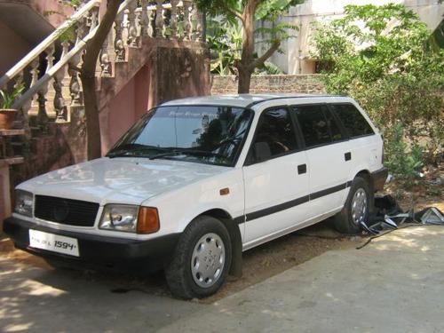 Фото автомобиля Tata Estate 1 поколение, ракурс: 45