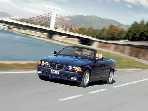 Фото автомобиля BMW 3 серия E36, ракурс: 45 цвет: синий