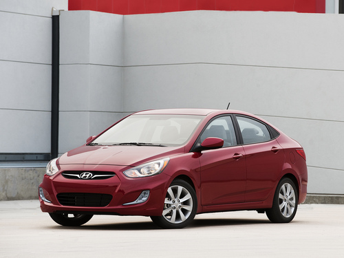 Фото автомобиля Hyundai Accent RB, ракурс: 45