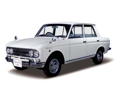 Фото автомобиля Nissan Bluebird 411 [рестайлинг], ракурс: 45