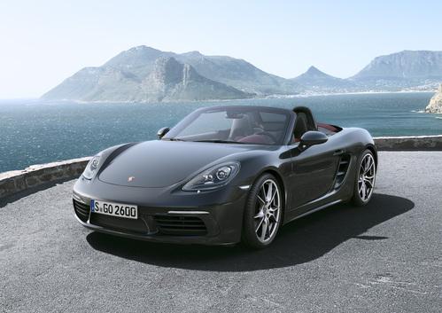 Фото автомобиля Porsche Boxster 982, ракурс: 45 цвет: мокрый асфальт
