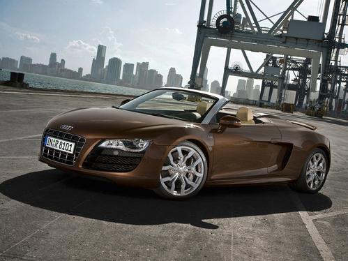 Фото автомобиля Audi R8 1 поколение, ракурс: 45 цвет: коричневый