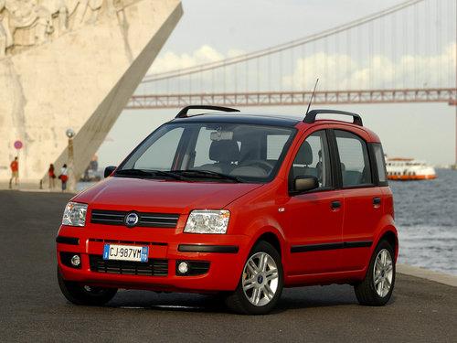 Фото автомобиля Fiat Panda 2 поколение, ракурс: 45