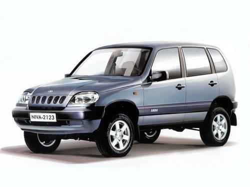 Фото автомобиля ВАЗ (Lada) 2123 1 поколение, ракурс: 45
