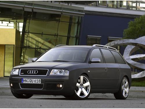 Фото автомобиля Audi RS 6 C5, ракурс: 45