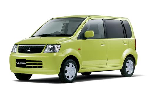 Фото автомобиля Mitsubishi eK H81W [рестайлинг], ракурс: 45 цвет: зеленый