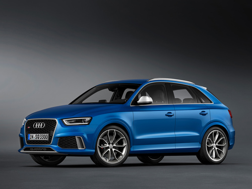 Фото автомобиля Audi RS Q3 8U, ракурс: 45 цвет: голубой