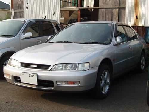 Фото автомобиля Isuzu Aska GS-5, ракурс: 45