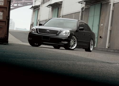 Фото автомобиля Toyota Celsior F30, ракурс: 45