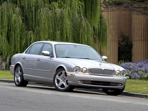 Фото автомобиля Jaguar XJ X350, ракурс: 45