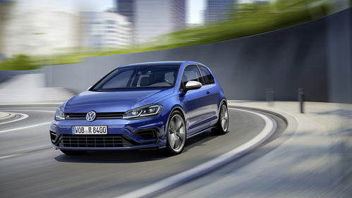 Фото автомобиля Volkswagen Golf 7 поколение [рестайлинг], ракурс: 45 цвет: синий
