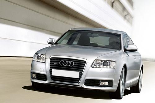 Фото автомобиля Audi A6 4F/C6 [рестайлинг], ракурс: 45 цвет: серебряный