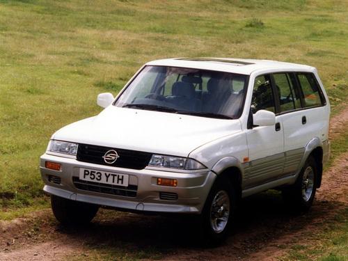 Фото автомобиля SsangYong Musso 1 поколение, ракурс: 45