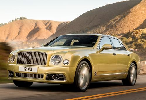 Фото автомобиля Bentley Mulsanne 2 поколение [рестайлинг], ракурс: 45 цвет: желтый
