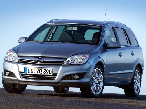 Фото автомобиля Opel Astra Family/H [рестайлинг], ракурс: 45 цвет: серебряный