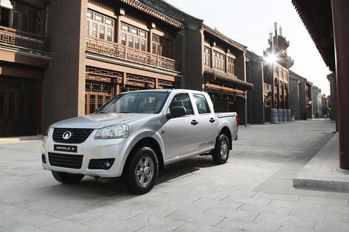 Фото автомобиля Great Wall Wingle 5 1 поколение, ракурс: 45 цвет: серебряный