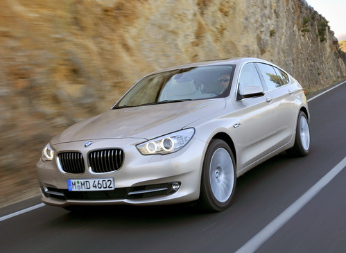 Фото автомобиля BMW 5 серия F07/F10/F11, ракурс: 45 цвет: бежевый