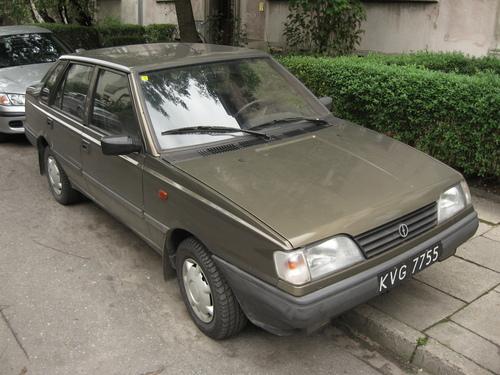 Фото автомобиля FSO Polonez 2 поколение, ракурс: 45