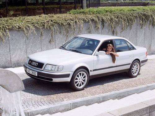 Фото автомобиля Audi S4 4A/C4, ракурс: 45