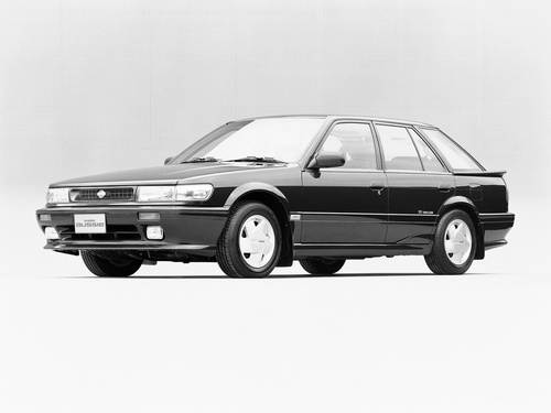 Фото автомобиля Nissan Bluebird U12, ракурс: 45