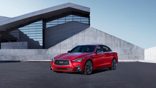 Фото автомобиля Infiniti Q50 1 поколение [рестайлинг], ракурс: 45 цвет: красный