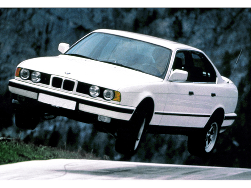 Фото автомобиля BMW 5 серия E34, ракурс: 45