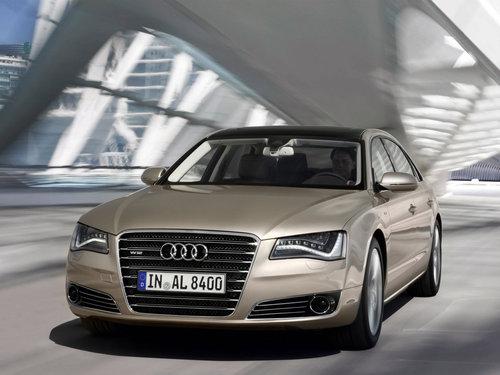 Фото автомобиля Audi A8 D4/4H, ракурс: 45 цвет: сафари