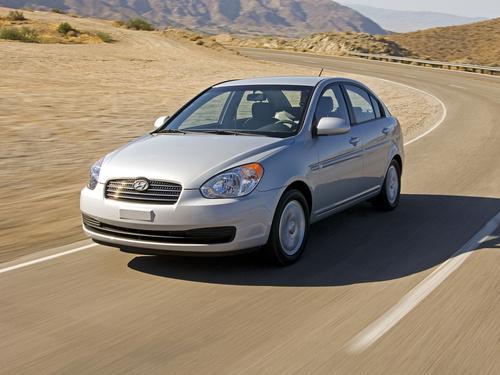 Фото автомобиля Hyundai Accent MC, ракурс: 45