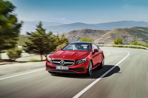 Фото автомобиля Mercedes-Benz E-Класс W213/S213/C238/A238, ракурс: 45 цвет: красный