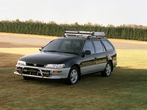 Фото автомобиля Toyota Corolla E100, ракурс: 45